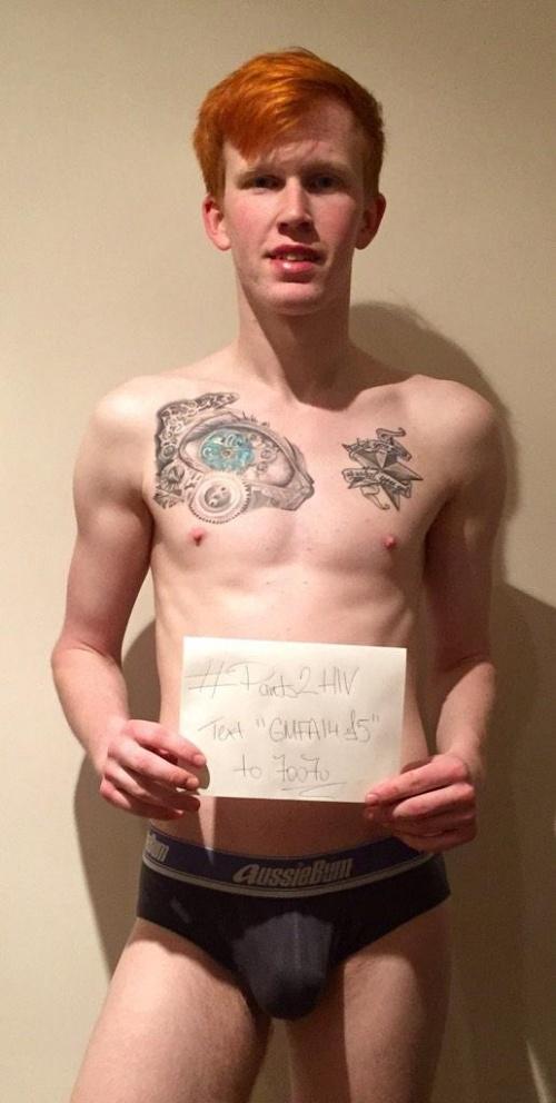 Erkekler HIV kampanyas� i�in i� �ama��rl� foto�raflar�n� payla��yor