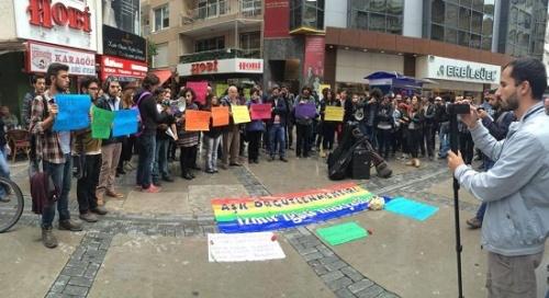 �zmir LGBT� �nisiyatifi: A�k direnmektir!