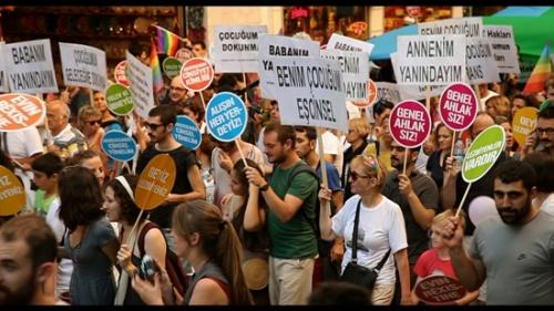 LGBT�lerin aileleri Bursa�da bulu�uyor